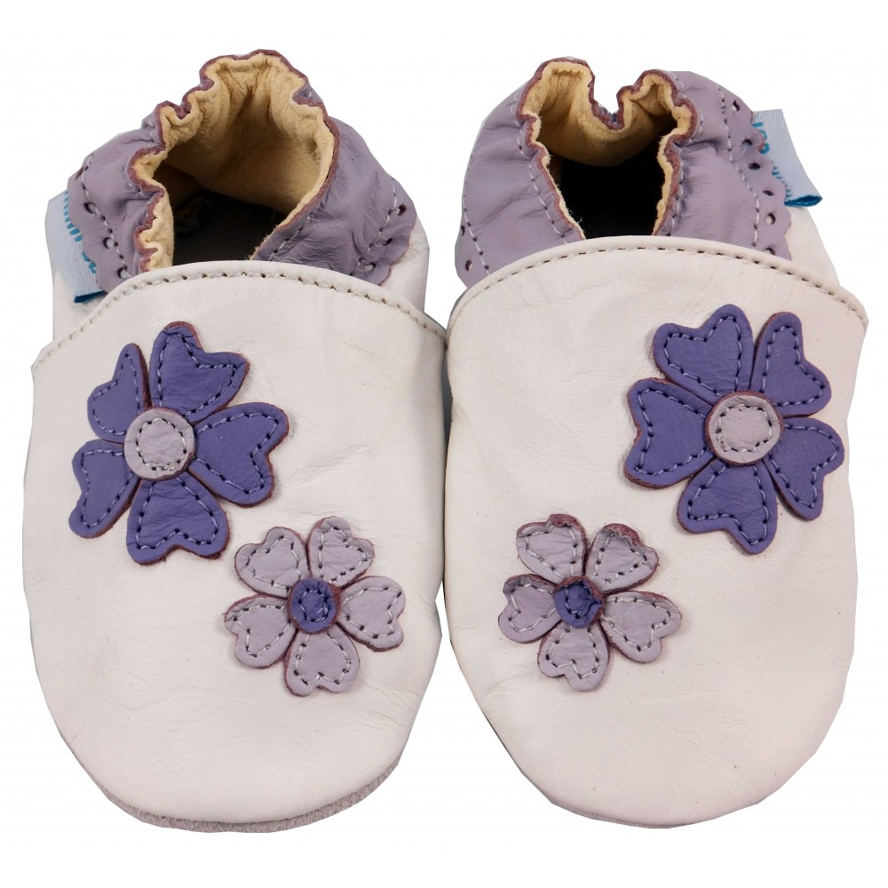 Детски бели кожени пантофки с виолетови елементи