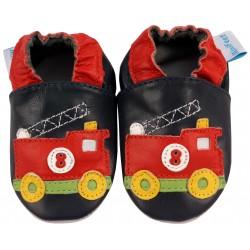 Детски черни пантофки с декорация пожарна кола