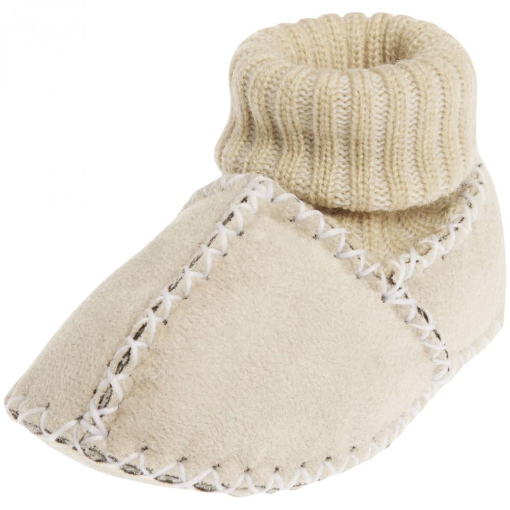 Бежови бебешки ботушки за вкъщи