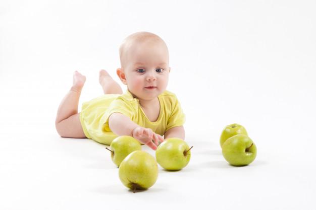 Бебе на 11 месеца-хранене и причини да не иска да яде