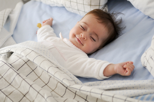 Бебе на 11 месеца сън и причини за будене нощем